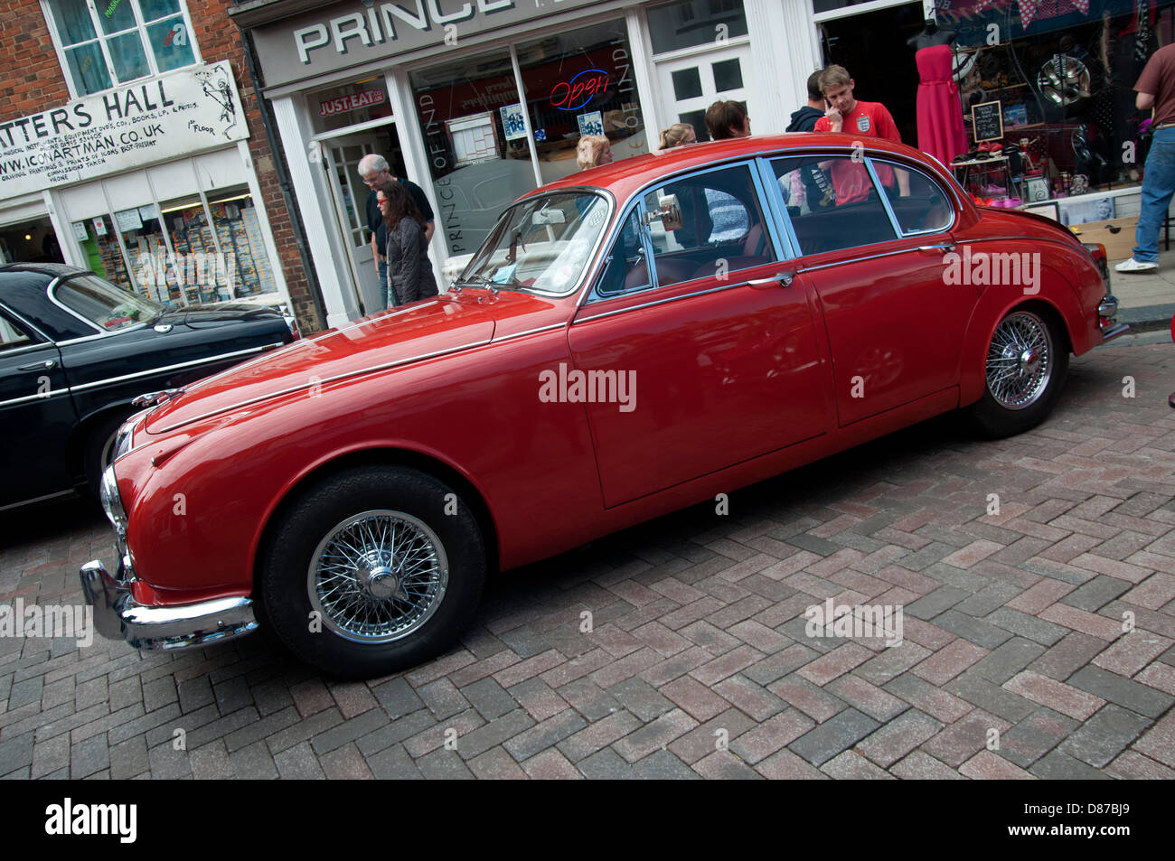 Transport motor show at faversham in Kent all types of classic cars ...