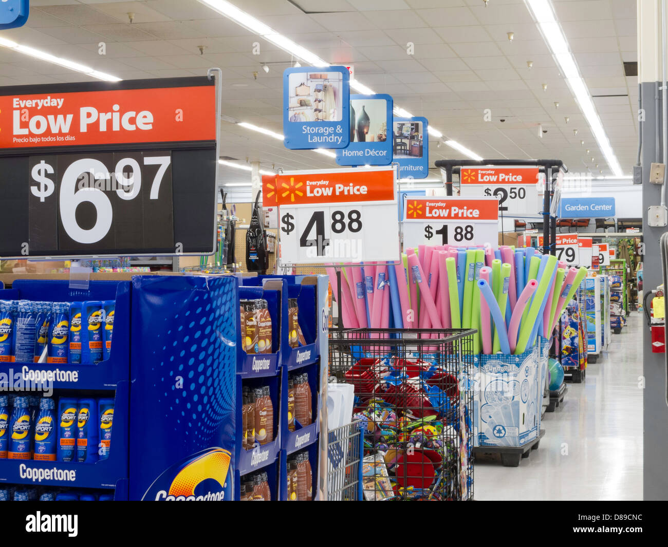 Walmart Discount Department Store Usa Stock Photo