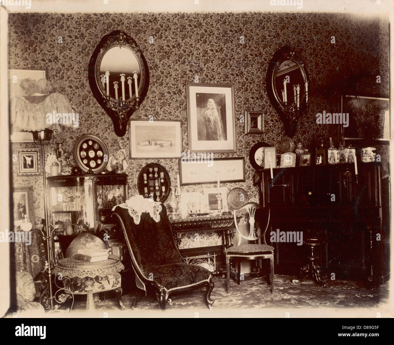 Victorian Sitting Rooms: Victorian Sitting Room Stock Photo, Royalty Free Image