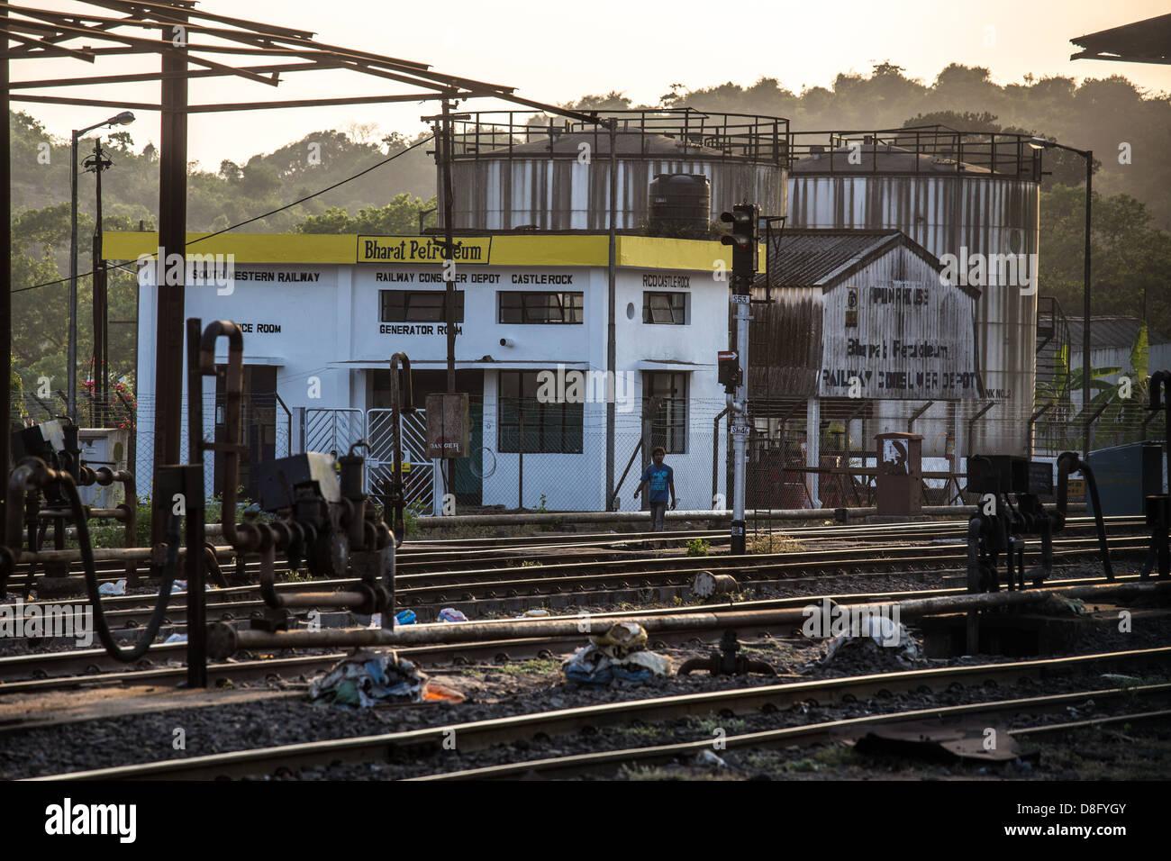 bharat petroleum depot at castlerock railway station all free downloads vector art all free download vector images