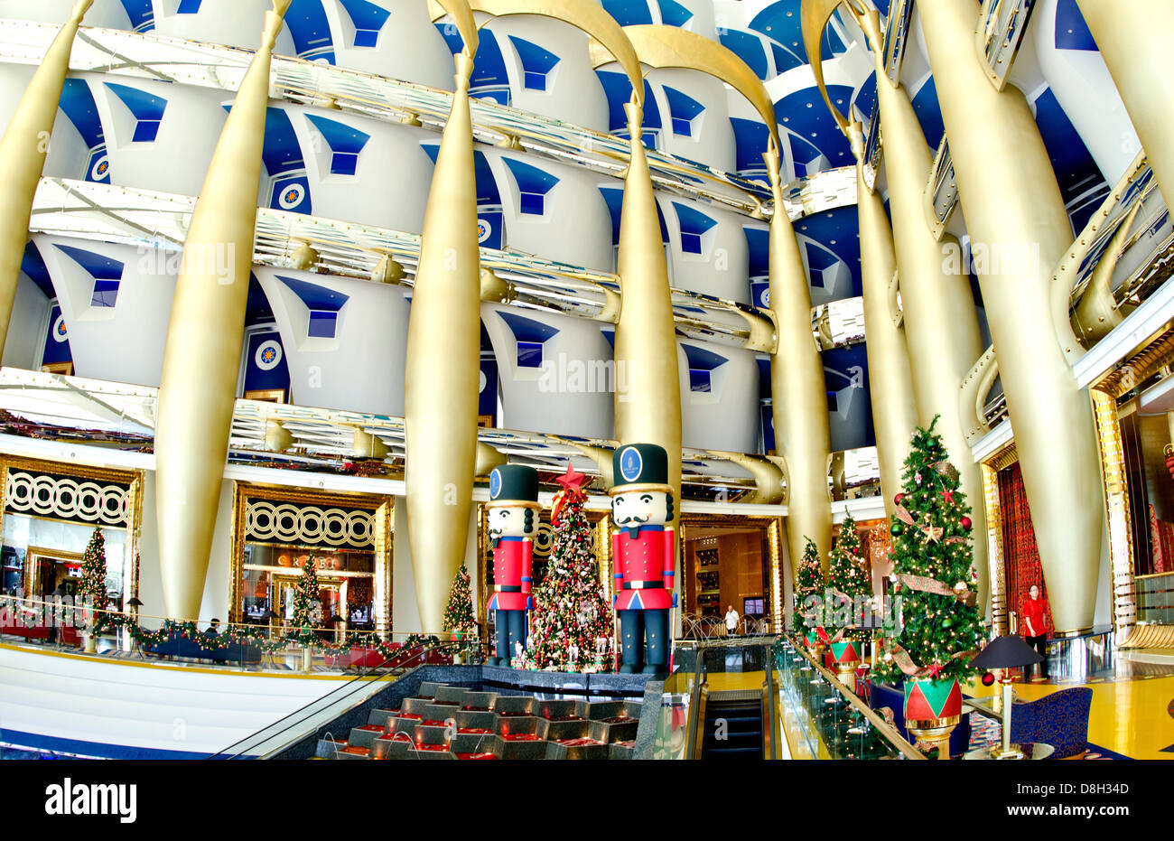 Interior of pillars abstract in the worlds only 7 star for Dubai hotels 7 star interior