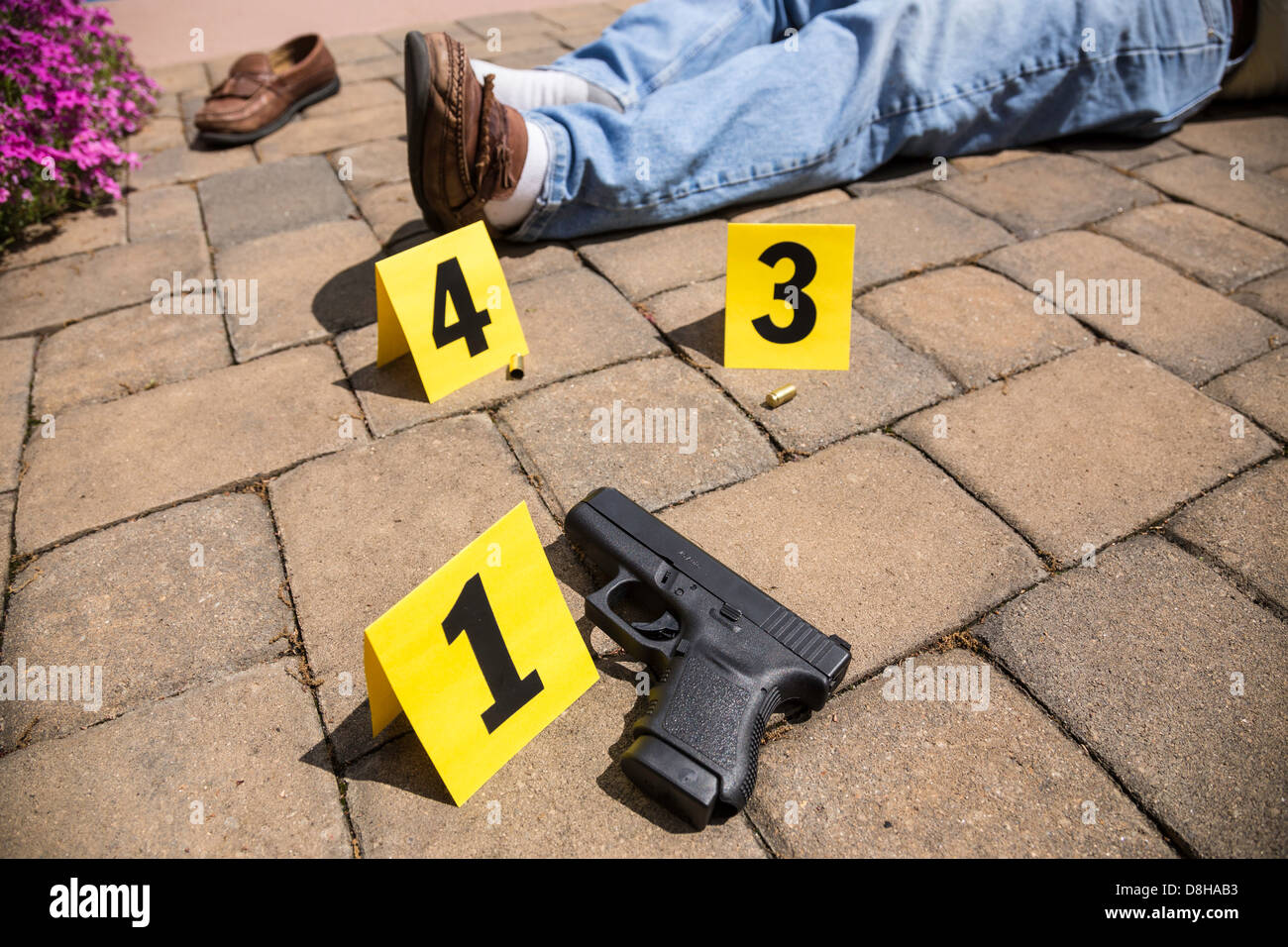 homicide investigation collecting evidence Crime-scene investigation and evidence collection 2 crime-scene investigation and evidence collection 23 the cause of a death when a homicide has occurred.