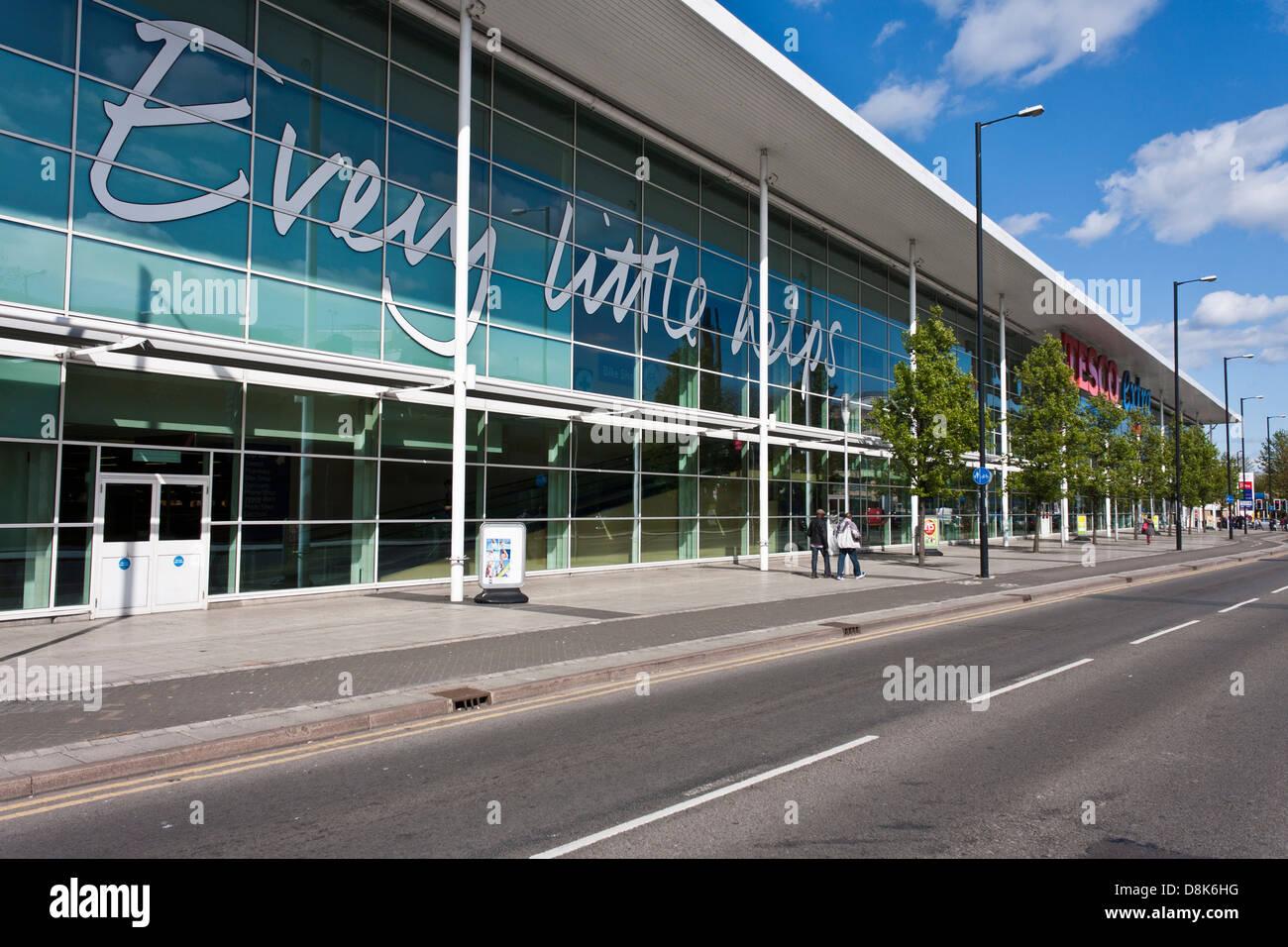 exterior-of-tesco-extra-supermarket-in-s