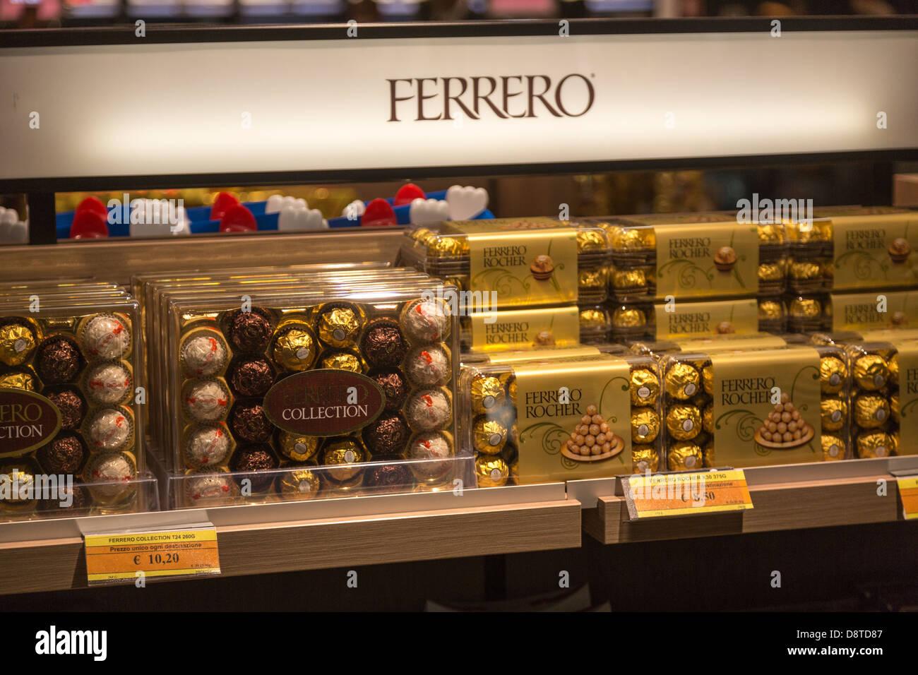 Airport Chocolate Shop Stock Photos & Airport Chocolate Shop Stock ...