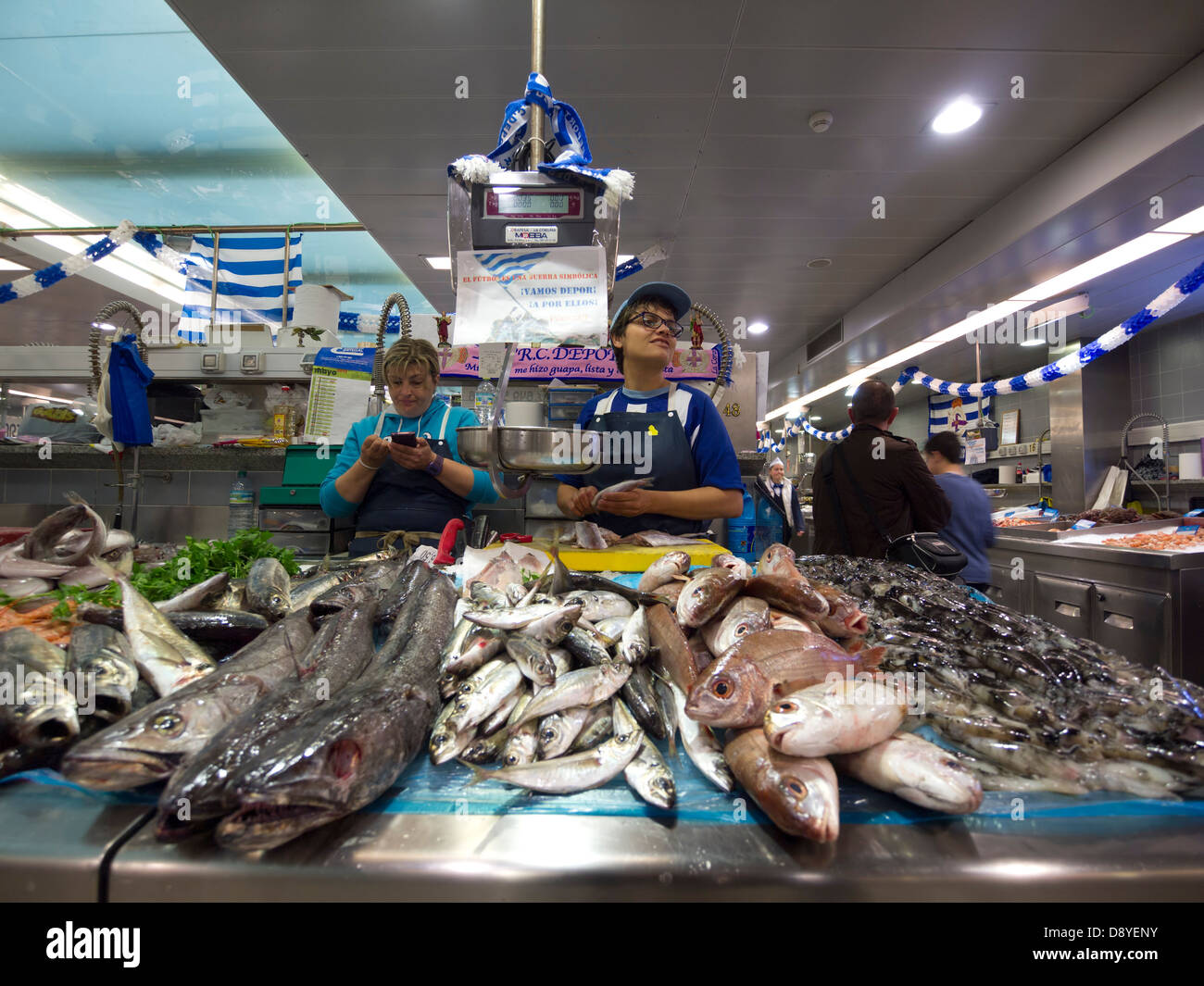 Fish market at the mercado de la plaza de lugo marketplace for La fish market