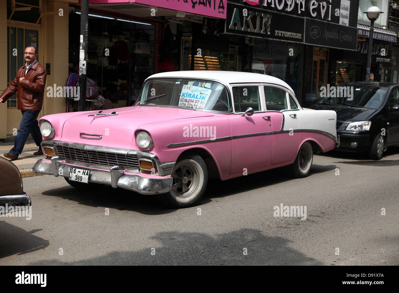 Old classic american cars on the street for hire in pendic for Old american cars