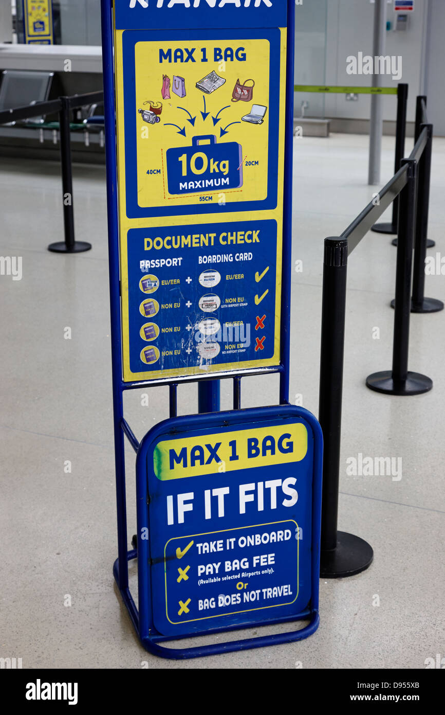 Ryanair Baggage Size Check Gauge Dublin Airport Terminal 1