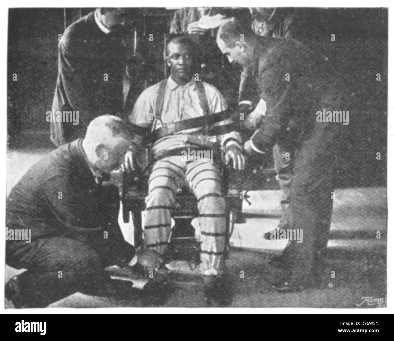 Real electric chair execution photos - Execution By Electric Chair Sing Sing Prison New York Usa Strapping The