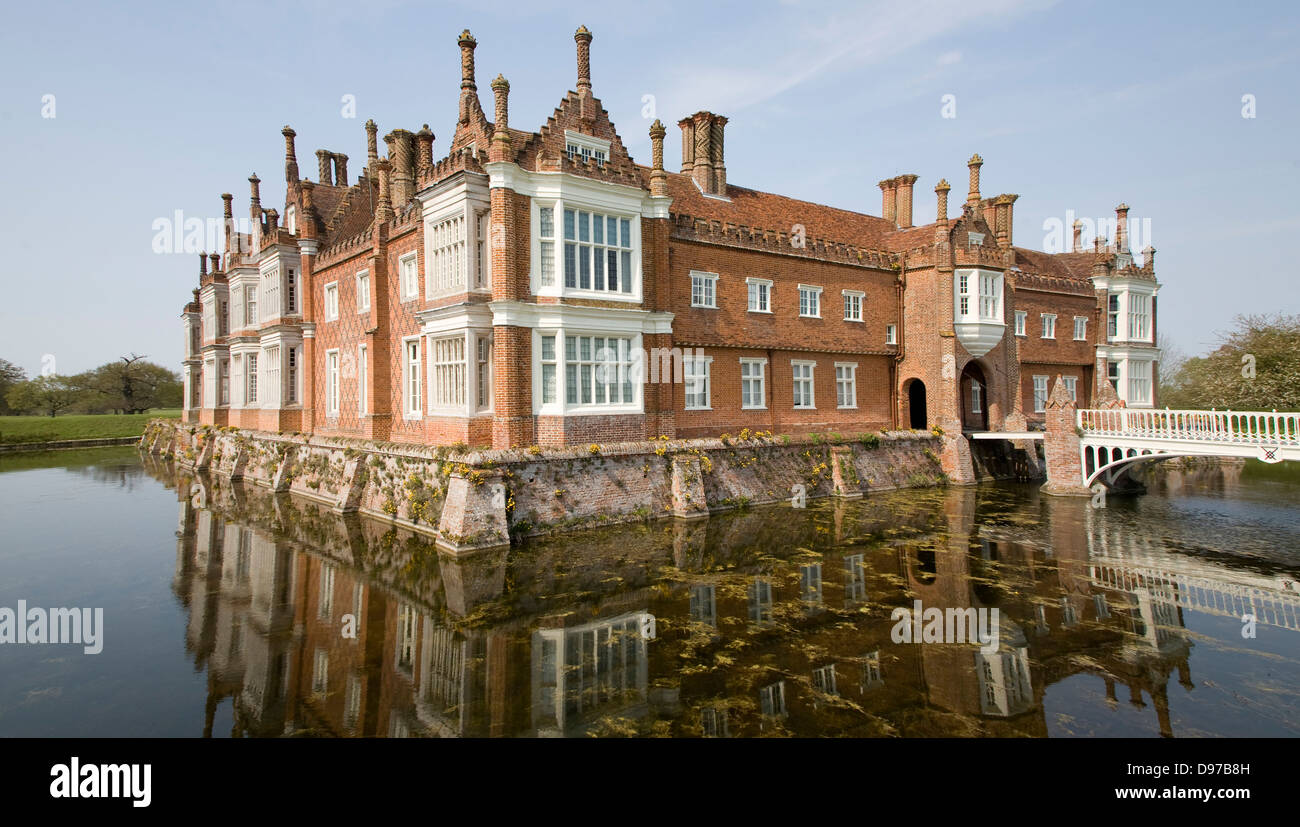 historic moated house helmingham hall suffolk england stock photo