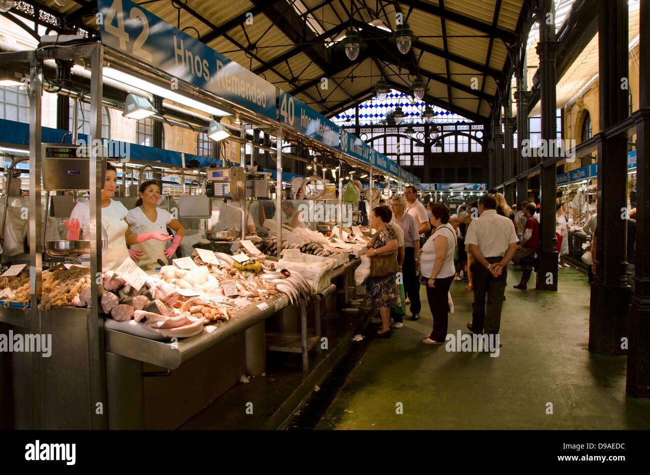 The mercado central de abastos covered fresh fish market for La fish market