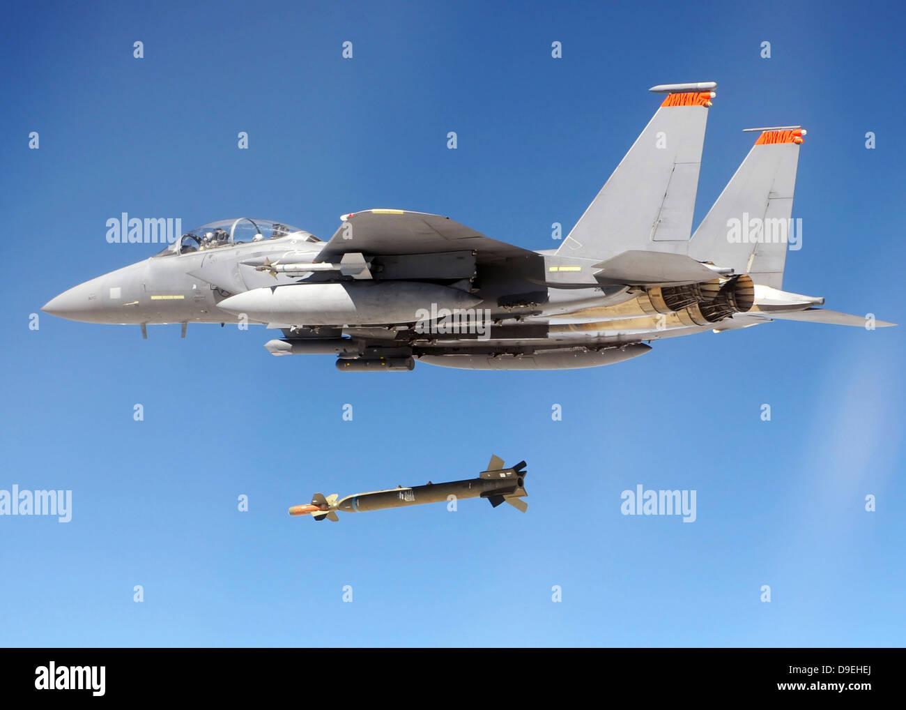 833rd aero squadron - An F 15e Strike Eagle Drops A Gbu 28 Bomb During A Combat Hammer