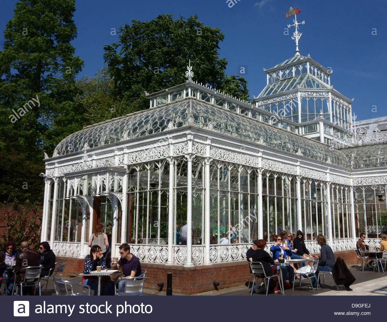 Horniman museum gardens - Stock Photo The Conservatory At The Horniman Museum Gardens South London
