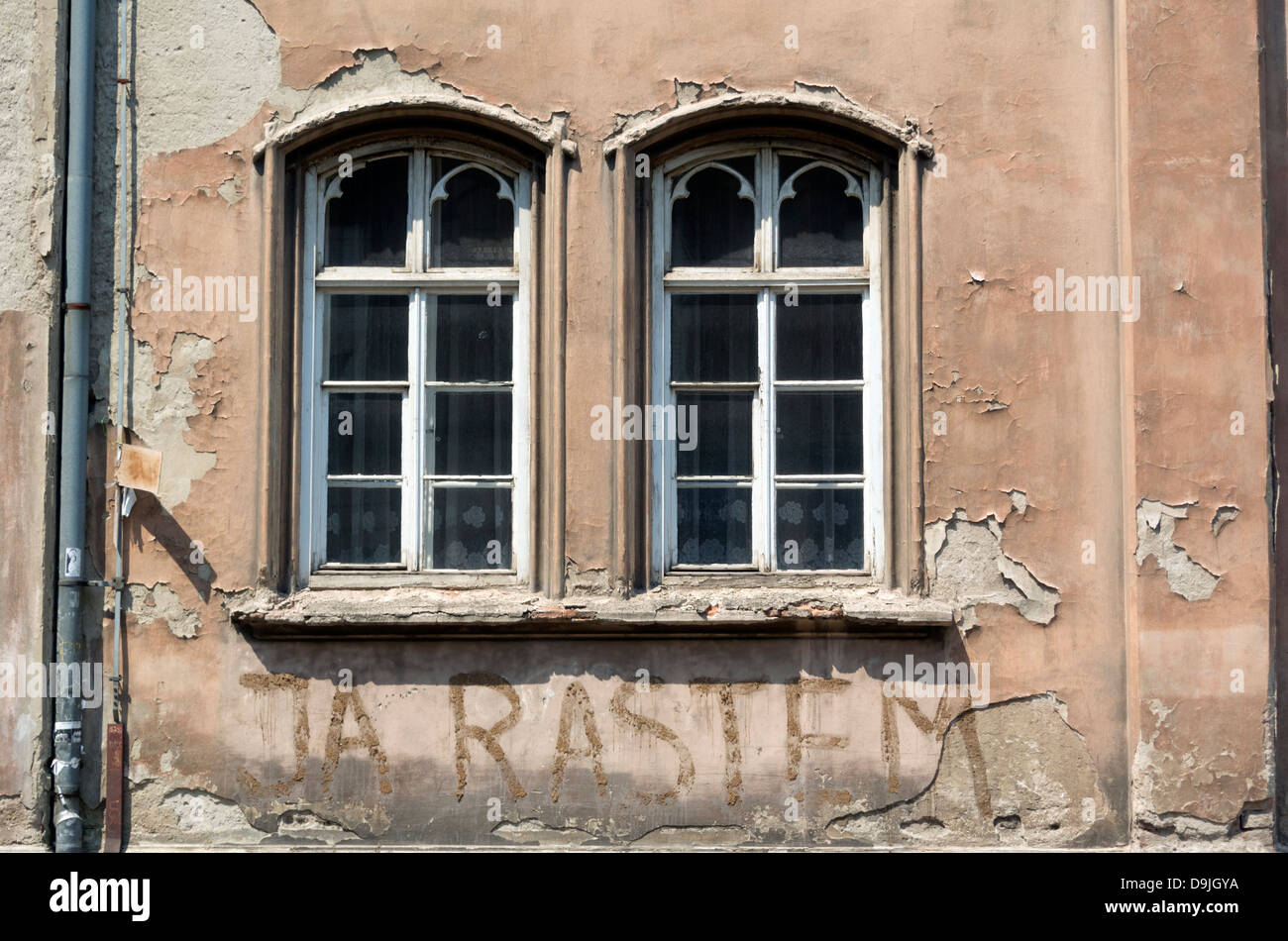 Graffiti wall zagreb - Stock Photo Urban Graffiti From Zagreb City Center Croatia Europe Croatian Message Ja Rastem I Growth