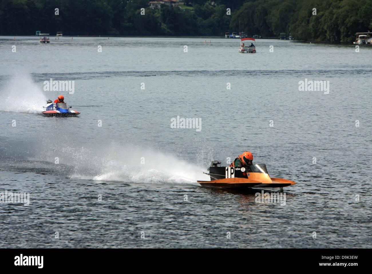 Outboard Motor Boat Race Racer Regatta Water River Lake