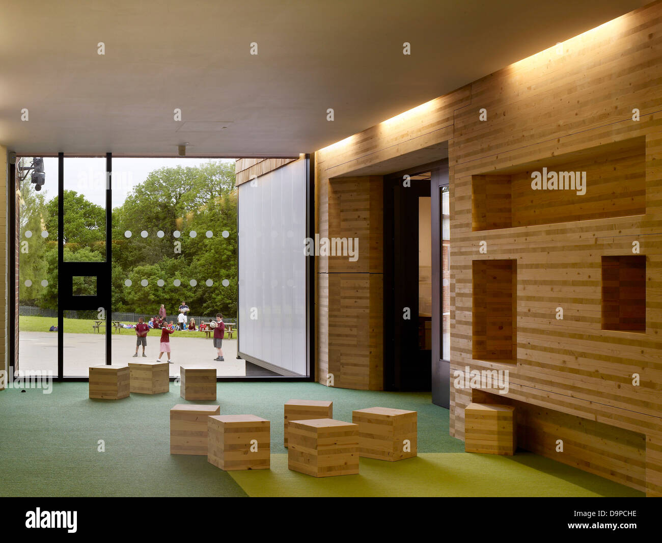Hayes United Kingdom  City pictures : Hayes Primary School, Croydon, United Kingdom. Architect: Hayhurst ...