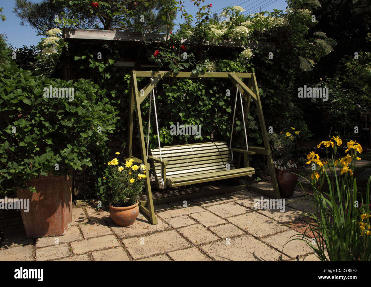 garden swing seat stock photos u0026 garden swing seat stock images
