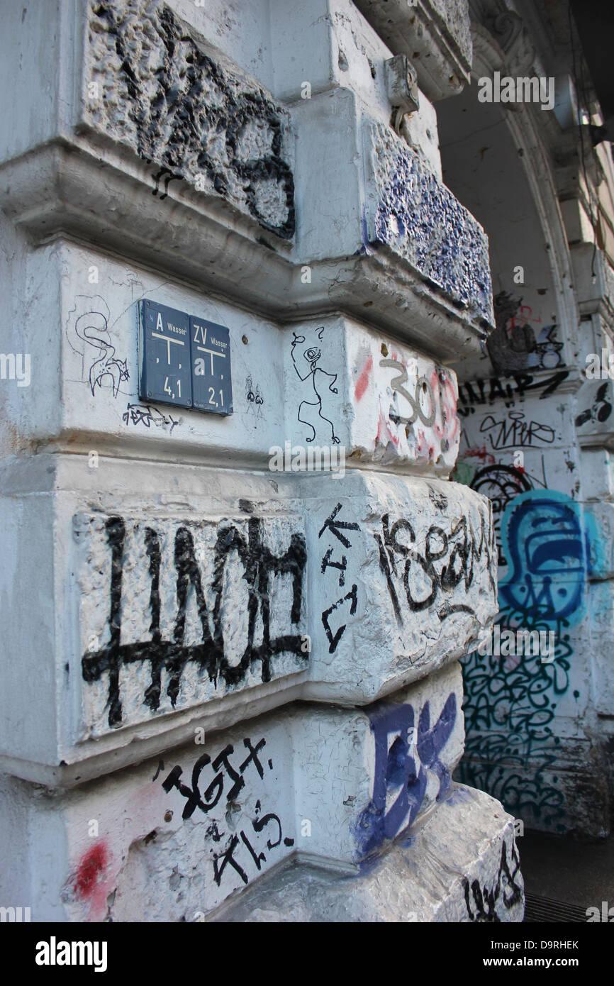Grafiti wall berlin - Germany Berlin Graffiti Wall In Oranienburger Strasse