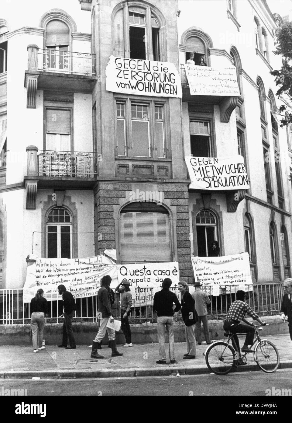 Len Frankfurt apprentices students and members of a collective squatted