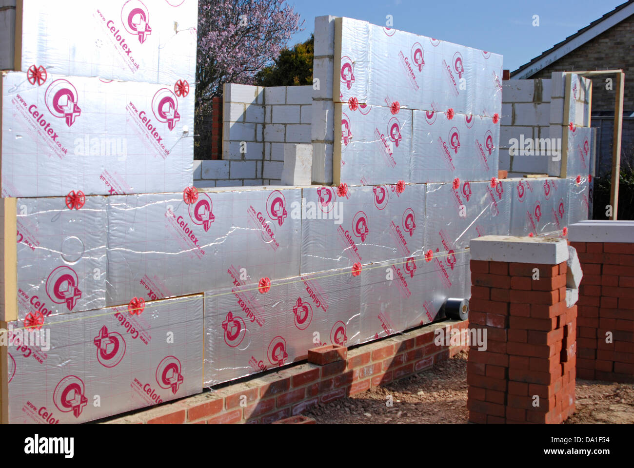 Insulation Boards For Walls : Brick wall with celotex thermal insulation board in cavity