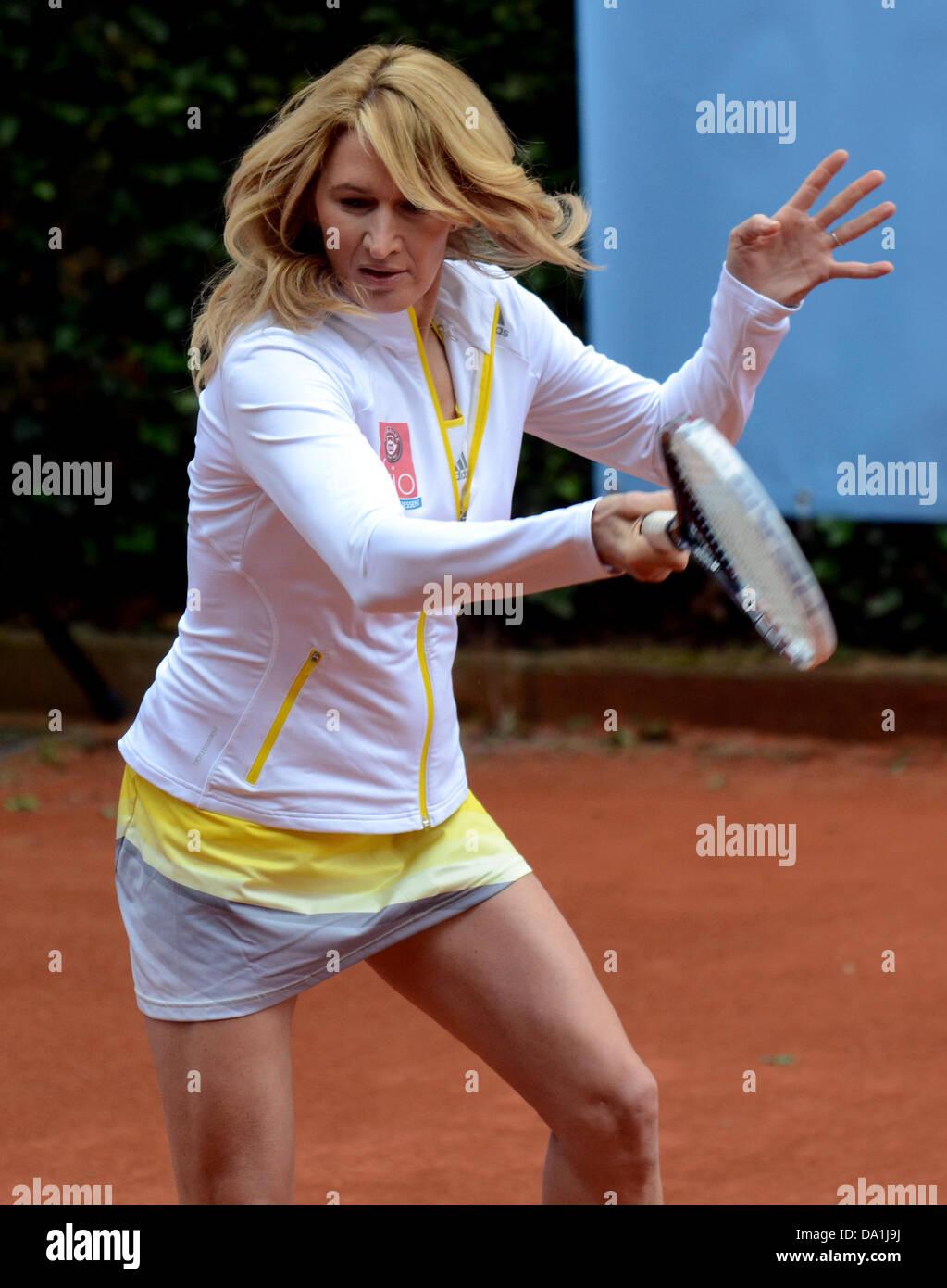 Former tennis player Steffi Graf plays tennis at Rochusclub in