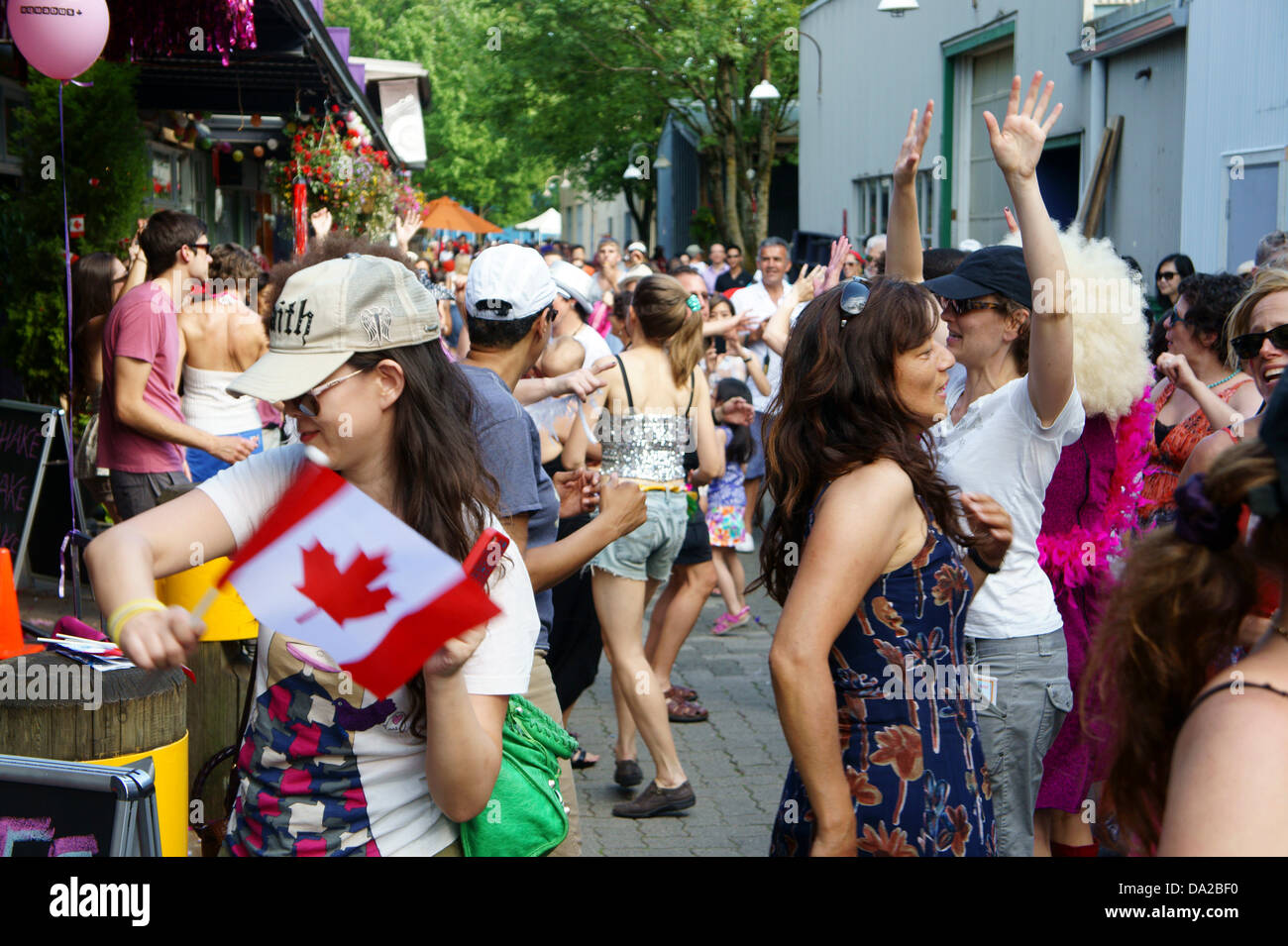 people-disco-dancing-outdoors-at-canada-