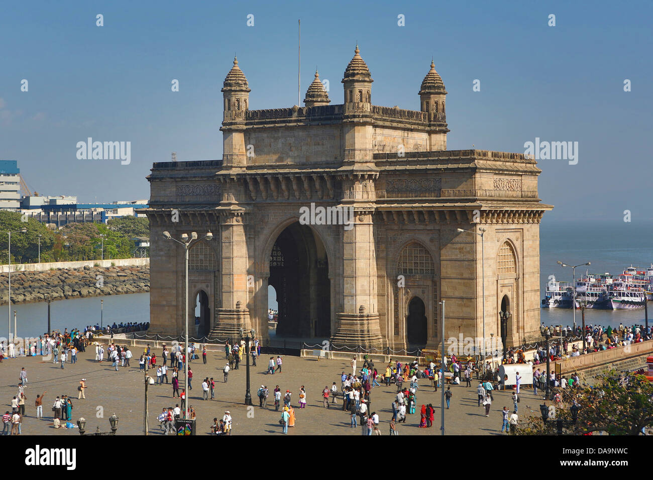 city mumbai bombay Location and history located on the west coast of india, the group of islands which has grown into the city of mumbai, was probably first recorded as the home of fisherfolk where a group of buddhist monks established an outpost late during the magadhan empire the islands were tossed from one king to another emperor.