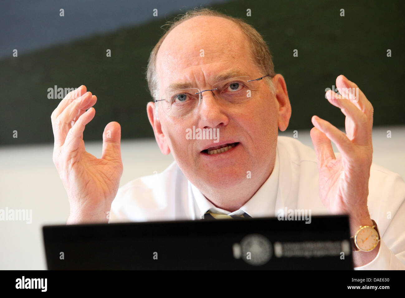 Stahl Hamburg the renal specialist professor rolf stahl attends a press conference