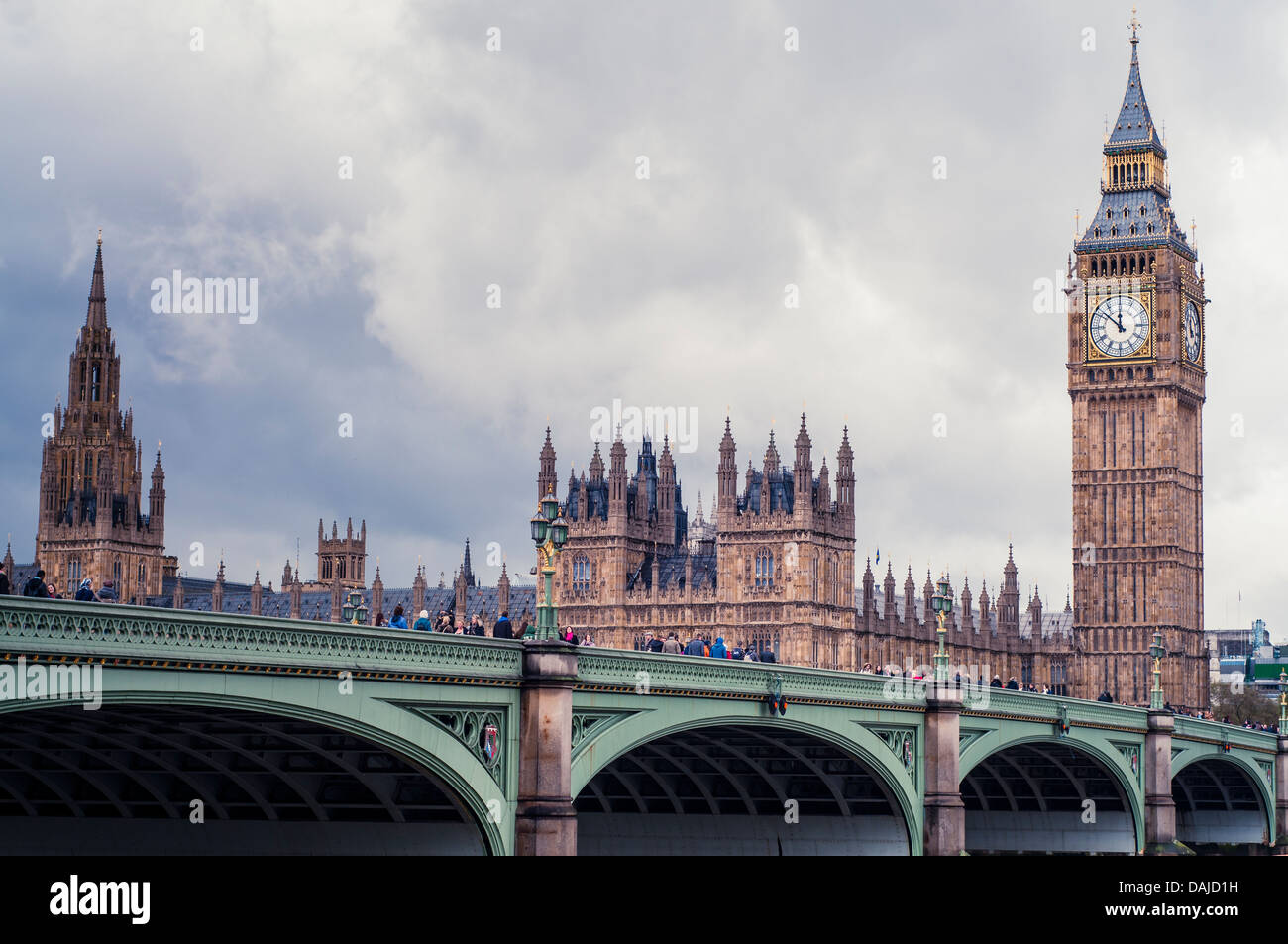 an analysis of composed upon a westminster bridge and london 1802 Literature network » william wordsworth » london, 1802 lines composed a few miles above tintern abbey upon westminster bridge.