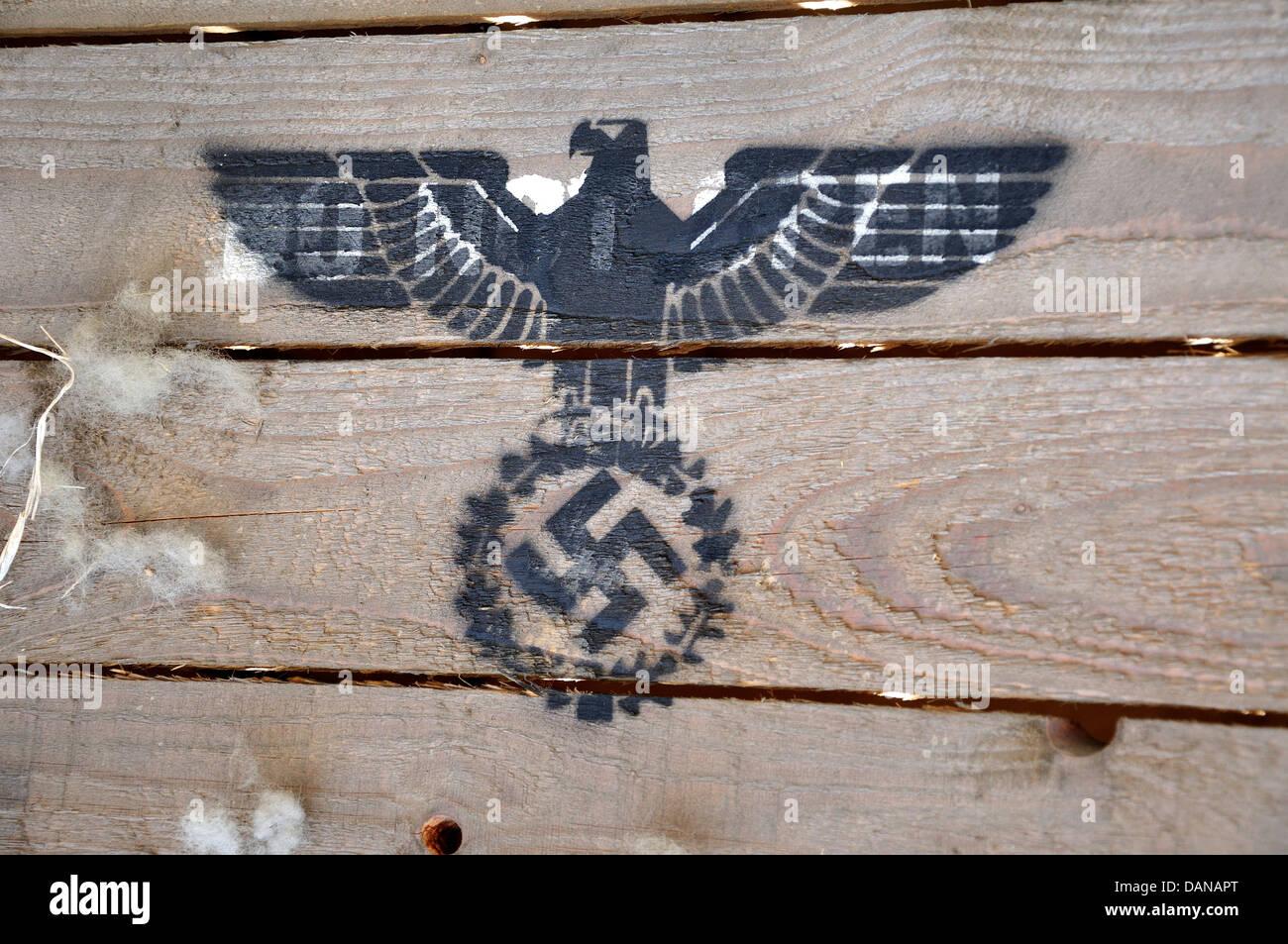 swastika eagle stock photos u0026 swastika eagle stock images alamy