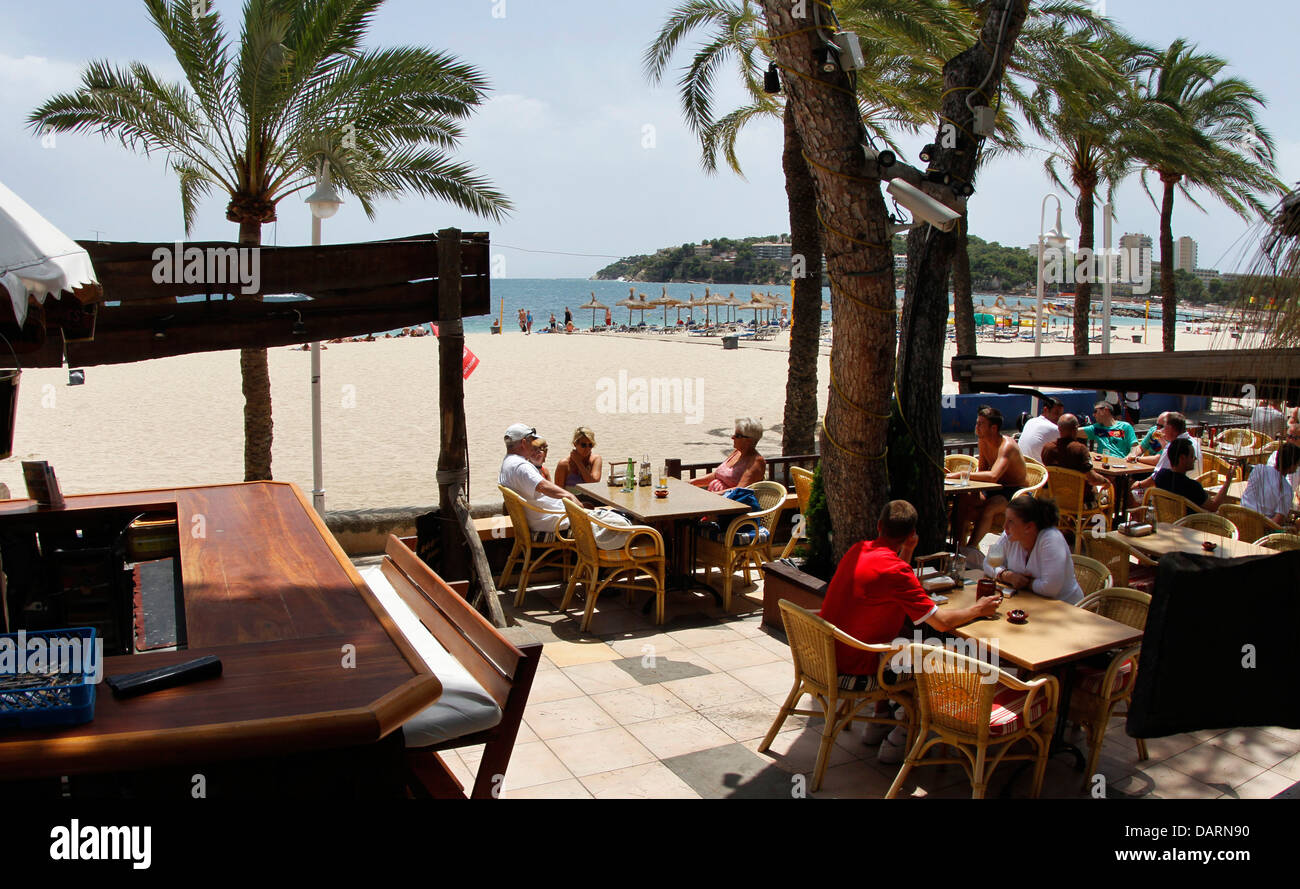 Restaurant and bar terrace in the beach of magaluf on the for The terrace restaurant and bar
