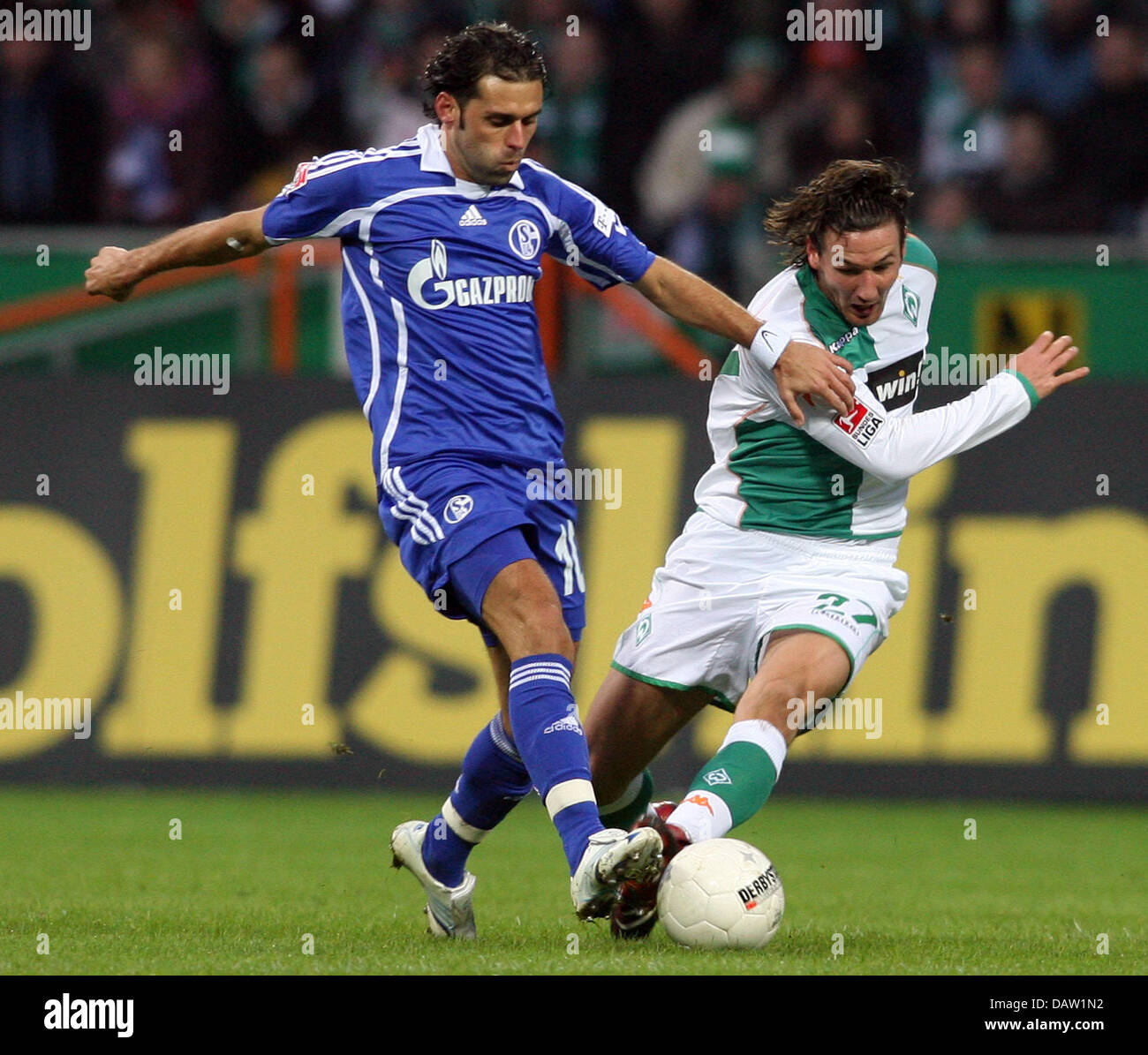 Schulz Bremen schalke s lincoln l vies for the with bremen s tchristian