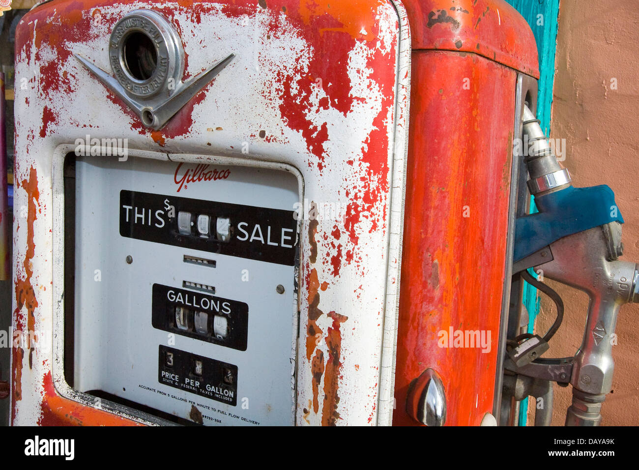 Ö¡ gas stock photos Ö¡ gas stock images alamy old style gilbarco gas pump madrid new united states of america