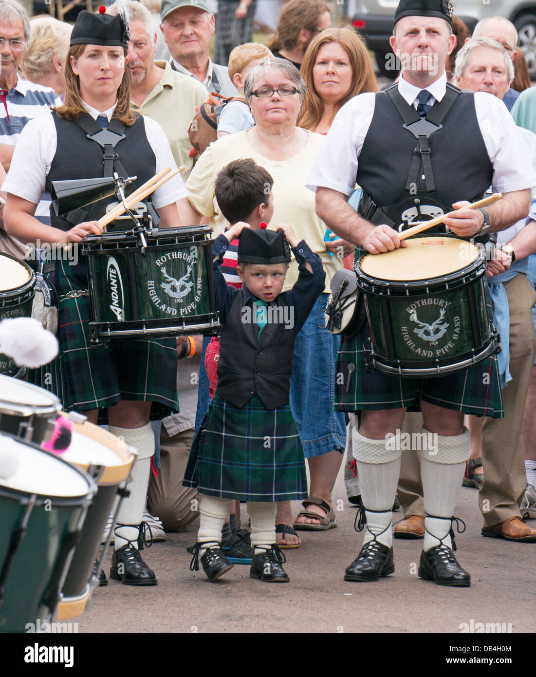 family-members-of-rothbury-highland-pipe