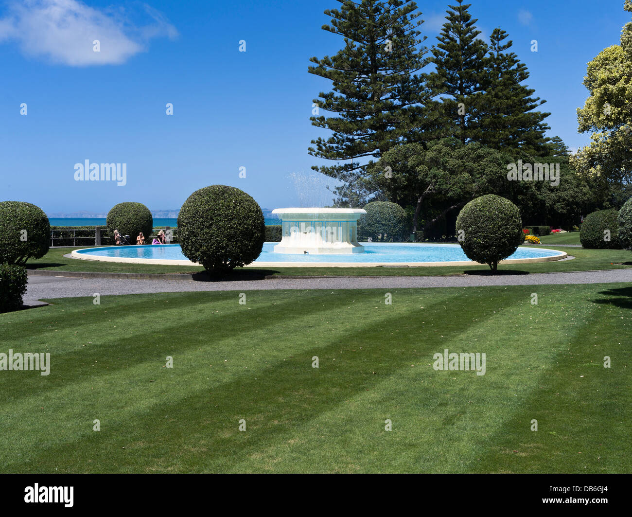 Water fountains outdoor new zealand - Stock Photo Dh Marine Parade Gardens Napier New Zealand Tom Parker Art Deco Water Fountain Pond And Parkland