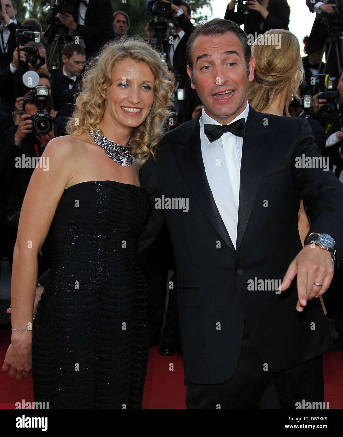 Jean dujardin and alexandra lamy 2011 cannes international for Alexandra dujardin