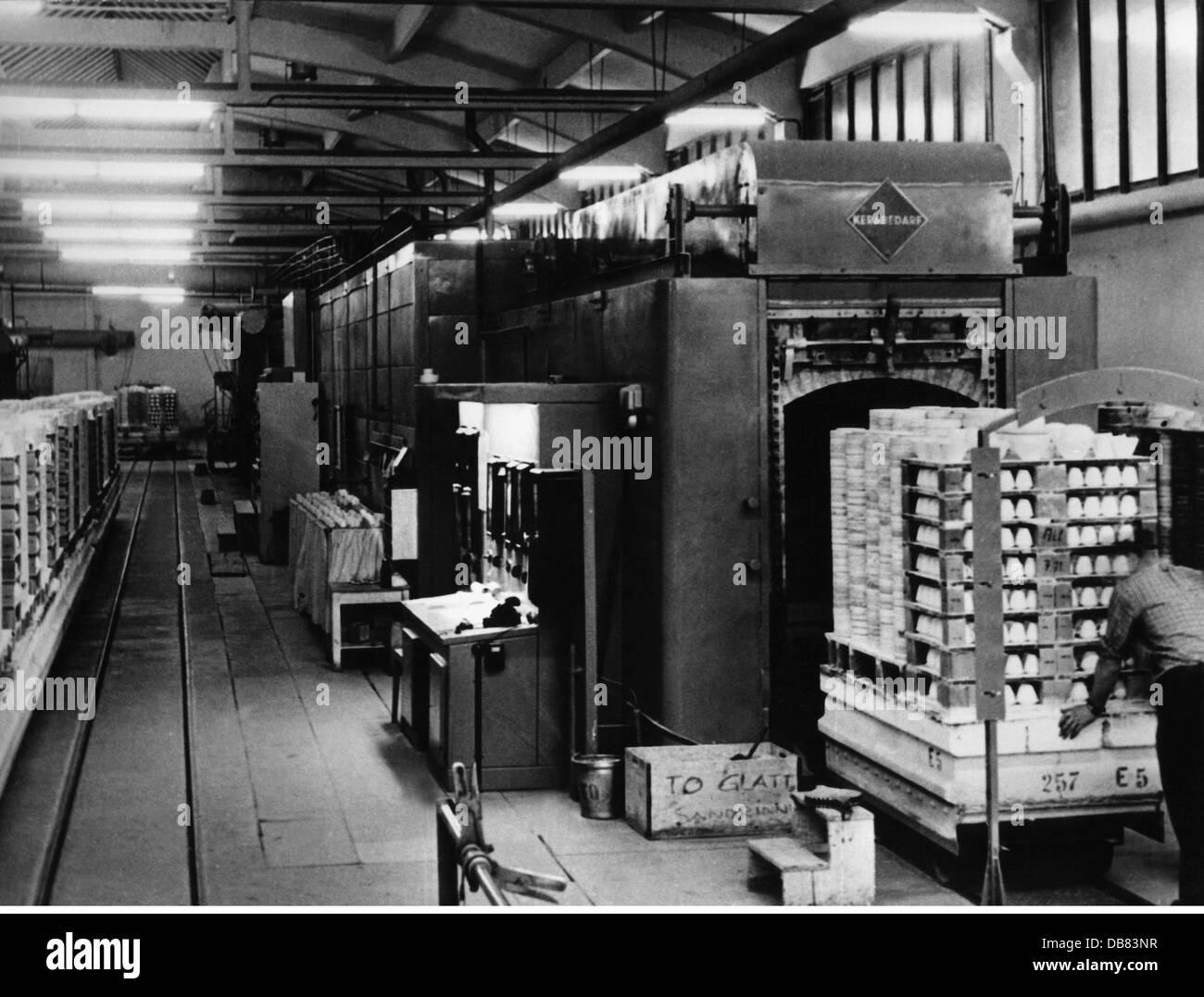 industry porcelain tunnel kiln rosenthal selb 1960 20th. Black Bedroom Furniture Sets. Home Design Ideas