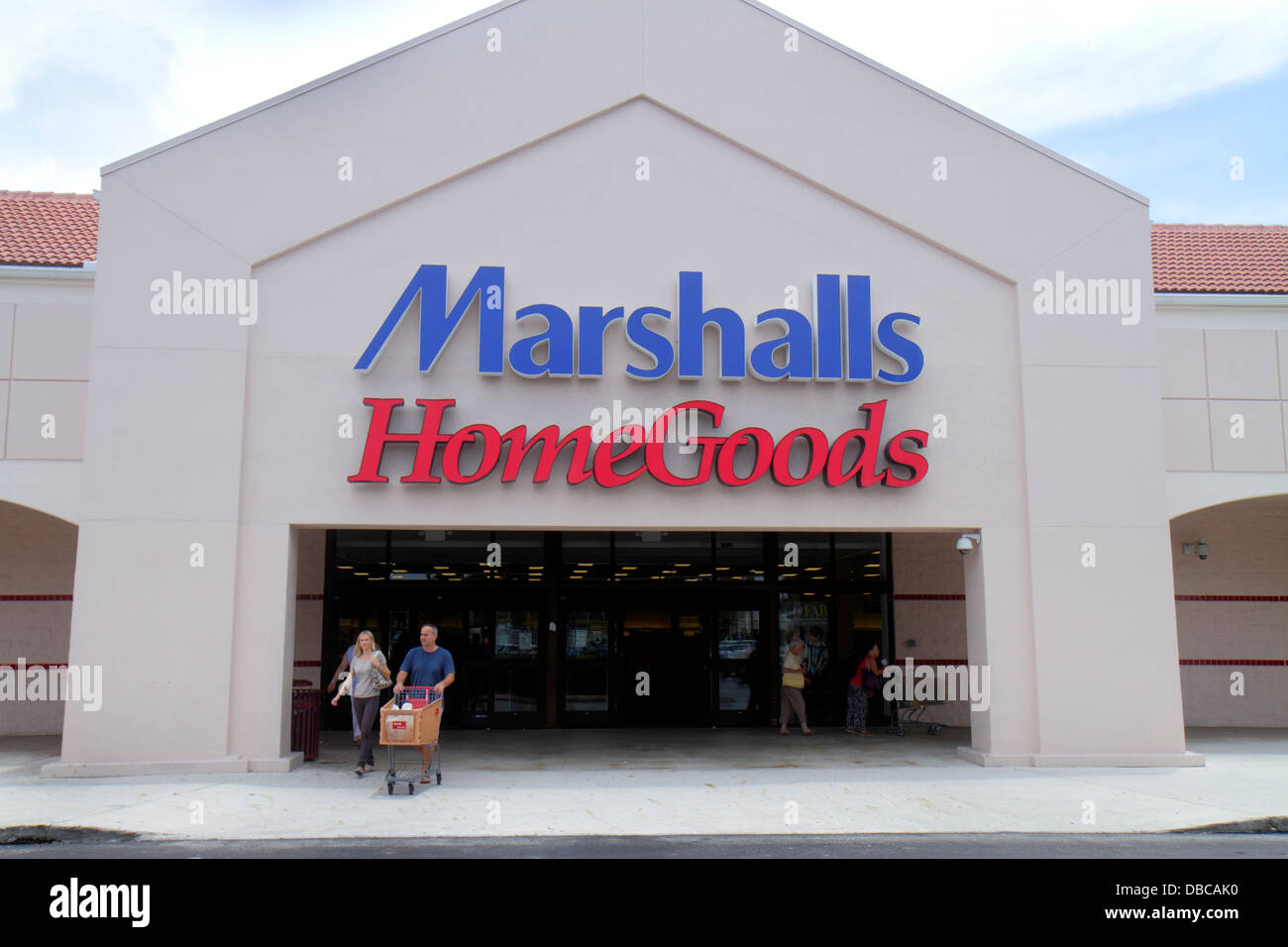 Miami Florida Aventura Marshalls Home Goods discount department store front  entrance. Miami Florida Aventura Marshalls Home Goods discount department