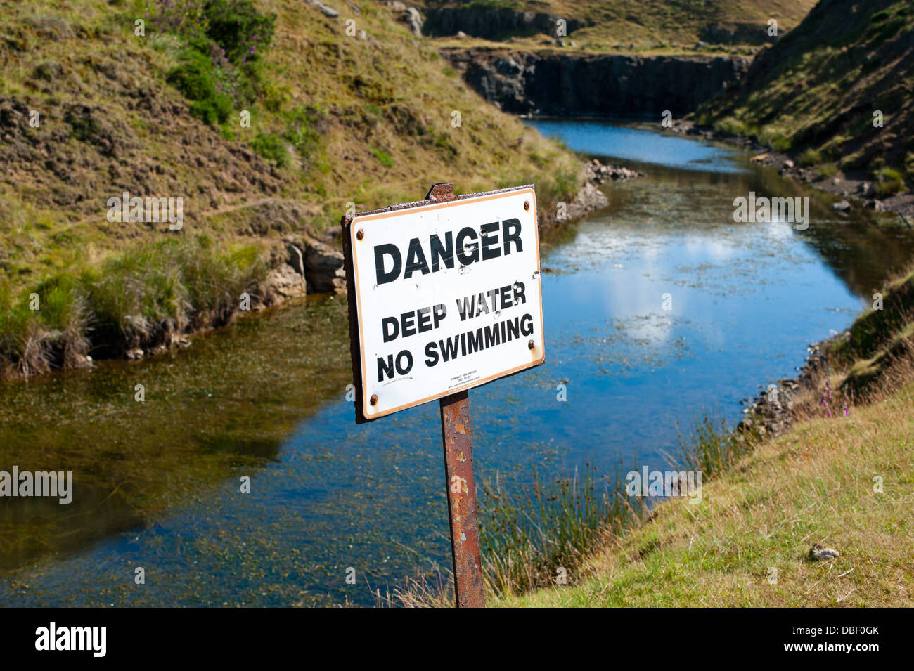 danger deep water no swimming sign on the titterstone