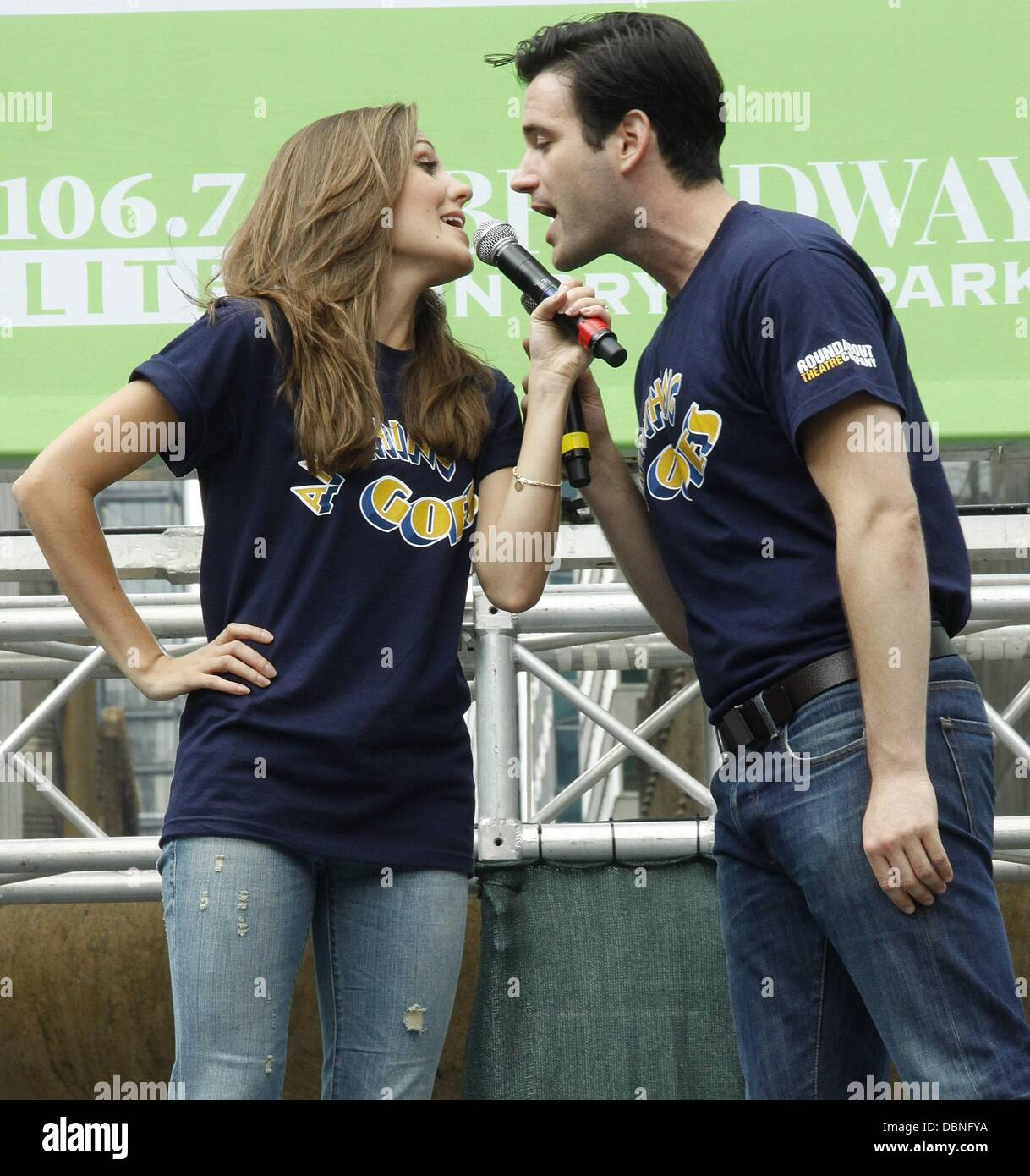 Sensational Laura Osnes And Colin Donnell Attend Broadway In Bryant Park Stock Easy Diy Christmas Decorations Tissureus