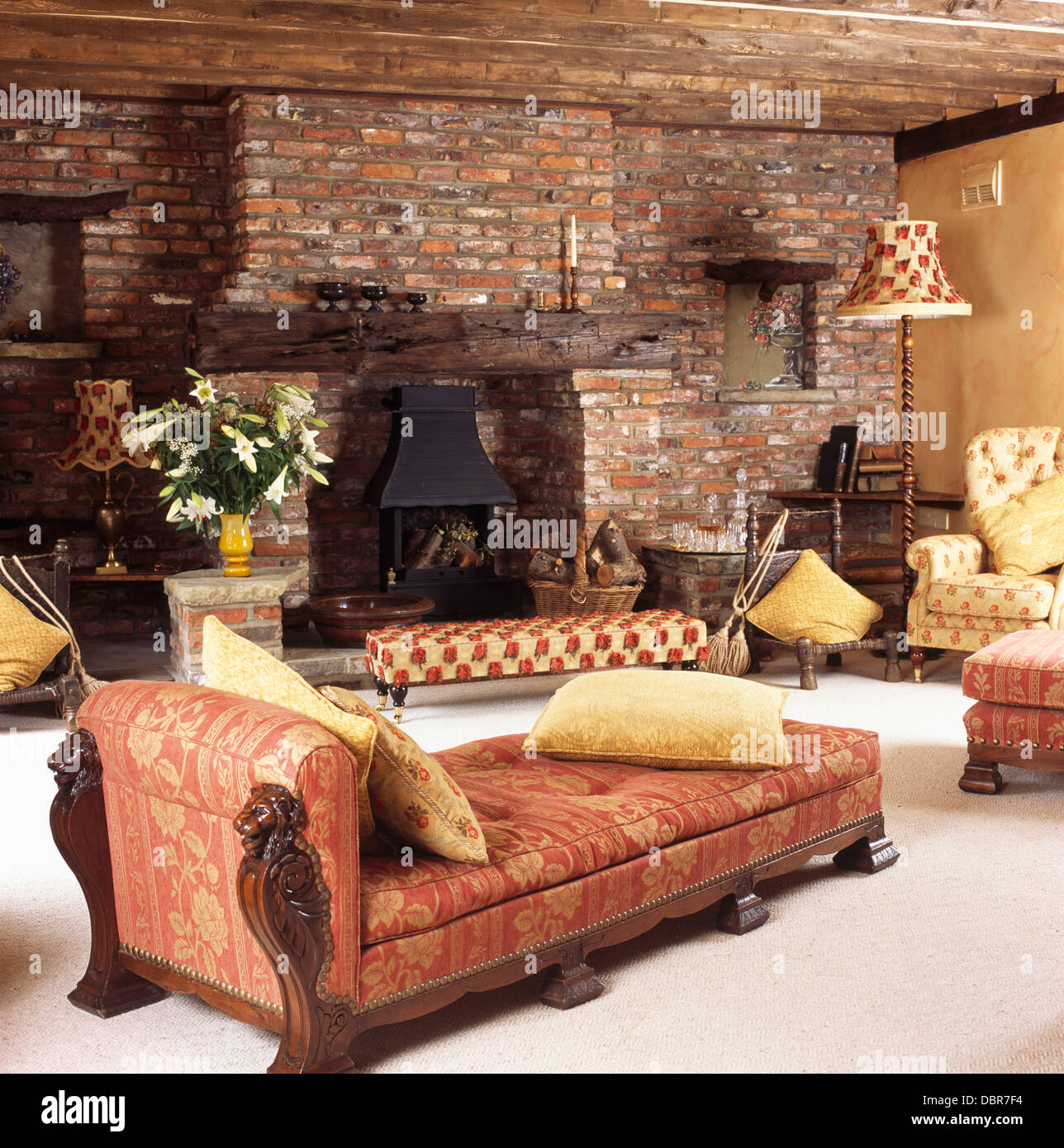 comfortable terracotta zoffany upholstered chaise-longue in