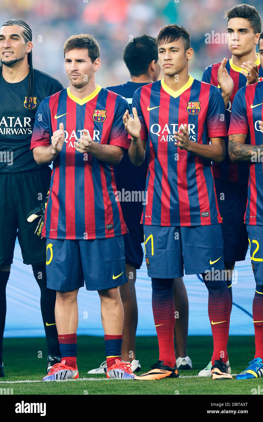 ¿Cuánto mide Neymar? - Altura y peso - Real height Barcelona-spain-d-2nd-aug-2013-l-r-lionel-messi-neymar-barcelona-football-DBTAXT
