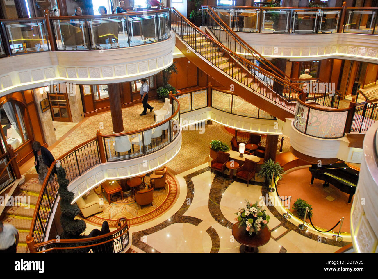Interior Of The Cunard Line Queen Elizabeth Ship Stock Photo Royalty Free Image 58939137 Alamy