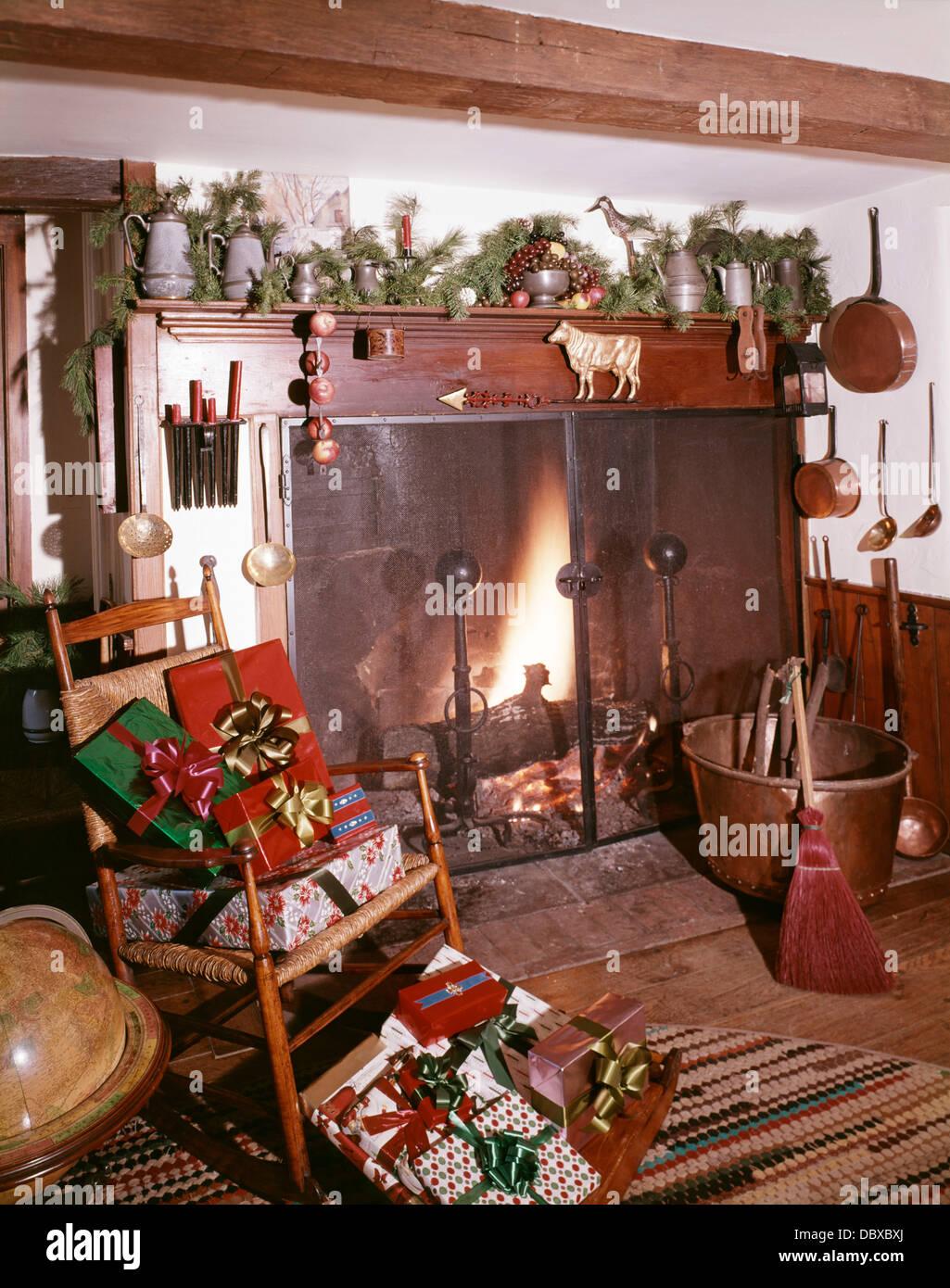 garland christmas mantle stock photos u0026 garland christmas mantle