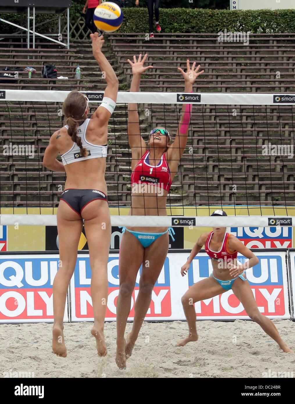 Kinga Kolosinska (C) from Poland and Chantal Laboureur (L ...