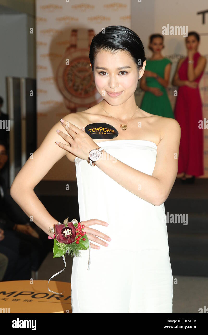 hong wu stock photos hong wu stock images alamy actress myolie wu and actress nancy wu attend the promotion activtiy of temporis in hong kong