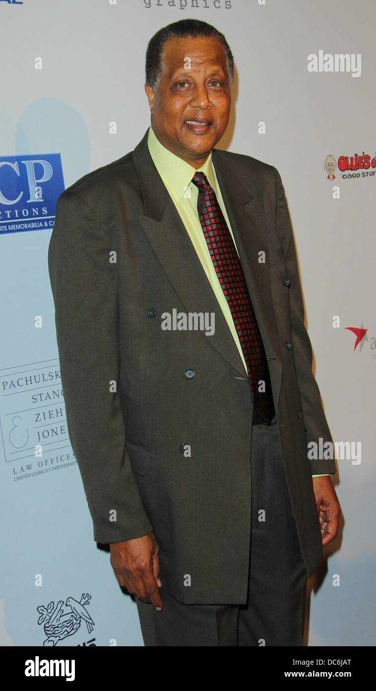 Los Angeles California USA 9th Aug 2013 Jamaal Wilkes attends