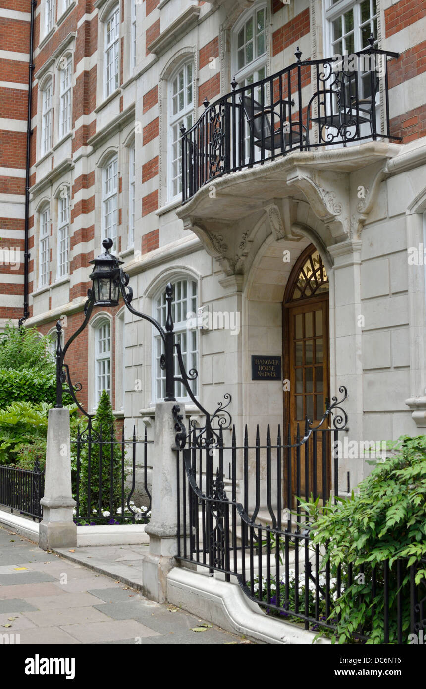 Hanover House Apartments In St. Johnu0027s Wood, London, UK
