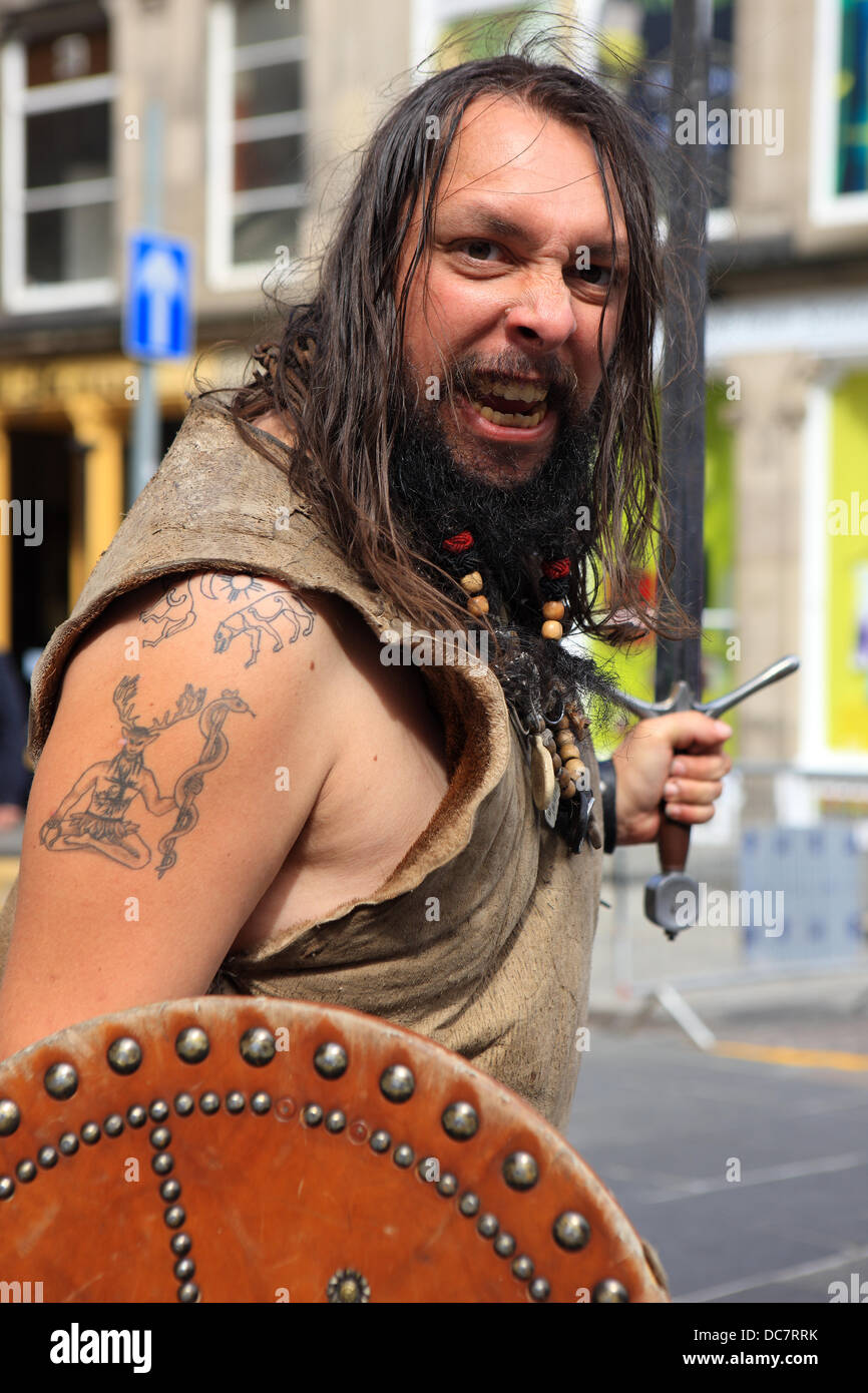 street-performer-in-traditional-highland