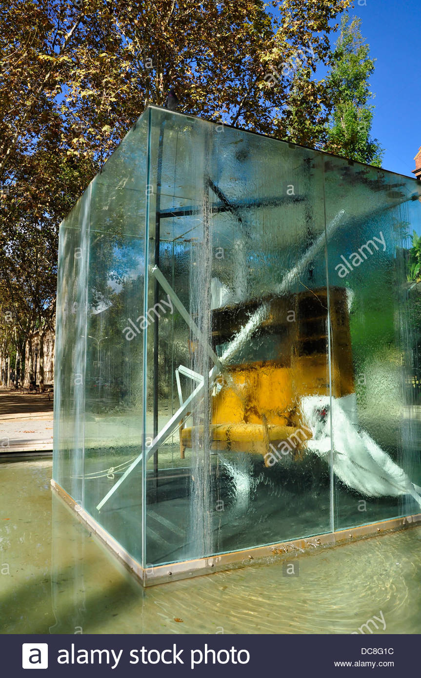 Antoni tapies artist hommage to picasso barcelona born for Artiste peintre catalan