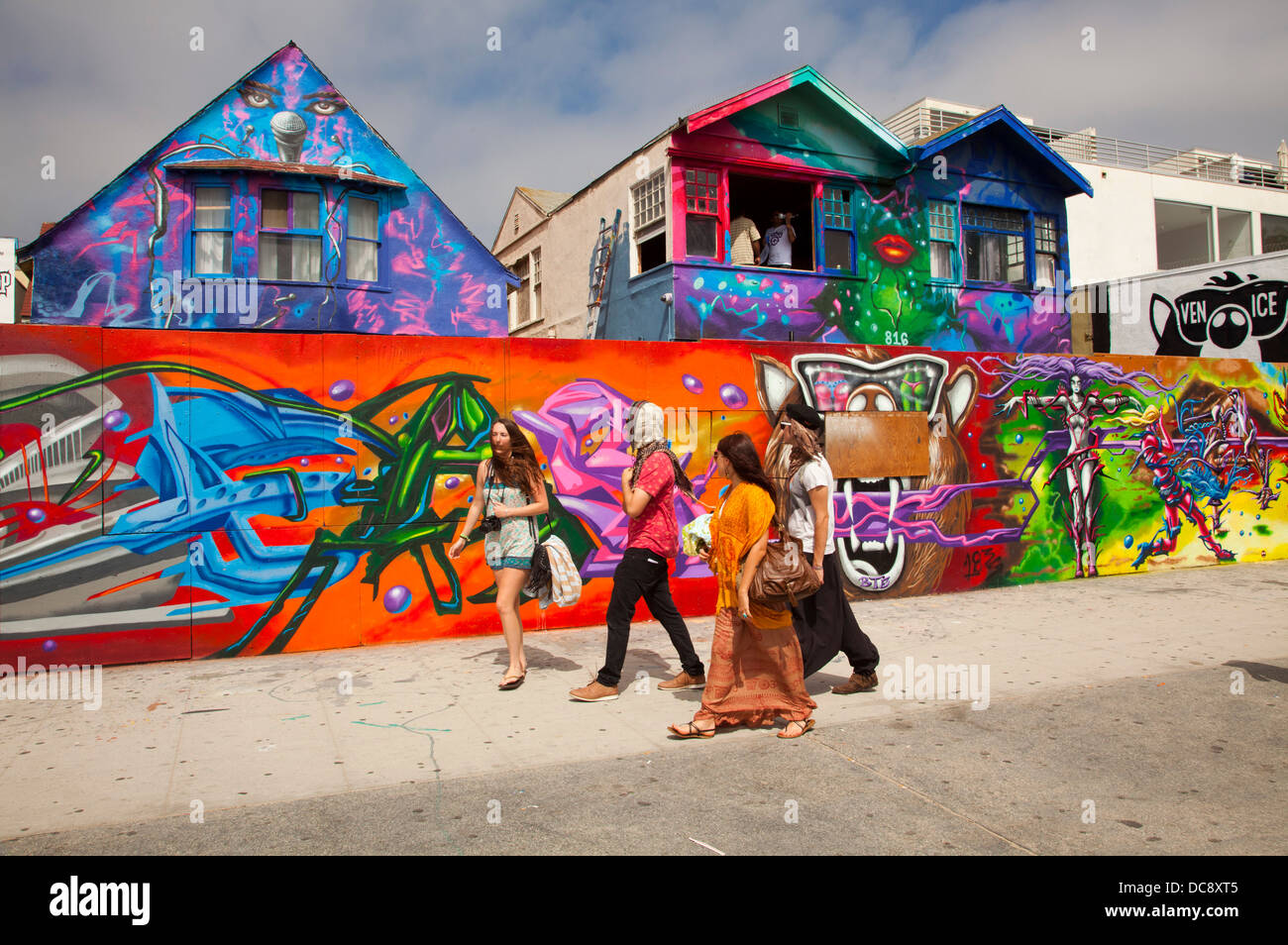 Mural and painted houses along boardwalk venice beach for California mural